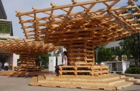 В Японии создали солнечную беседку, работающую в качестве городского кондиционера